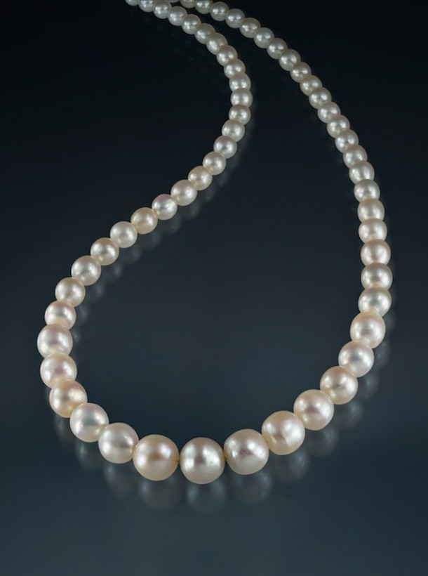 "Natural pearls ""orient"" necklace"